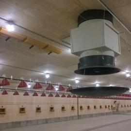 Aan weerszijde van iedere dakkoker zijn 3 plafondventielen geplaatst.